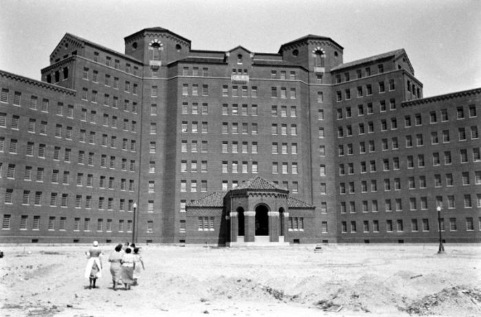 Pilgrim Psychiatric Center (25 pics)