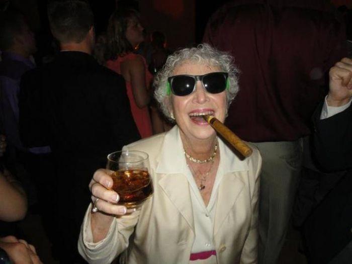 Seniors Have Fun (25 pics)