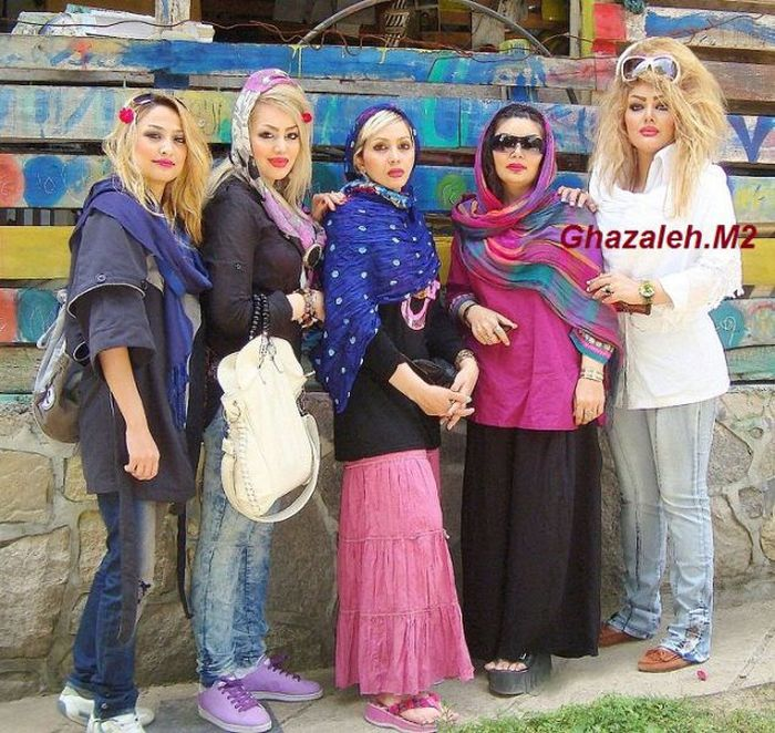 Girls of Iran (84 pics)