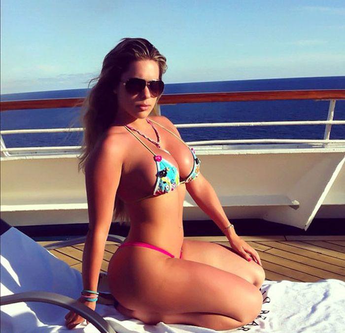Kathy Ferreiro (30 pics)