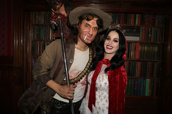 Katy Perry And John Mayer Dressed Up For Halloween (13 pics)