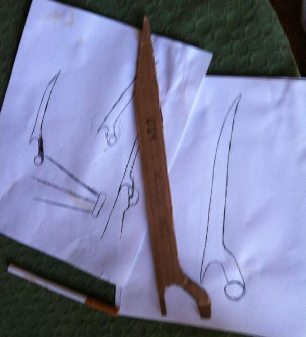 DIY Wolverine Claws (6 pics)