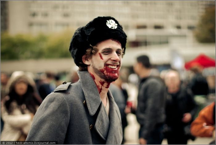 Toronto Zombie Walk 2012 (75 pics + video)