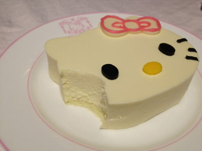Hello Kitty Restaurant (25 pics)