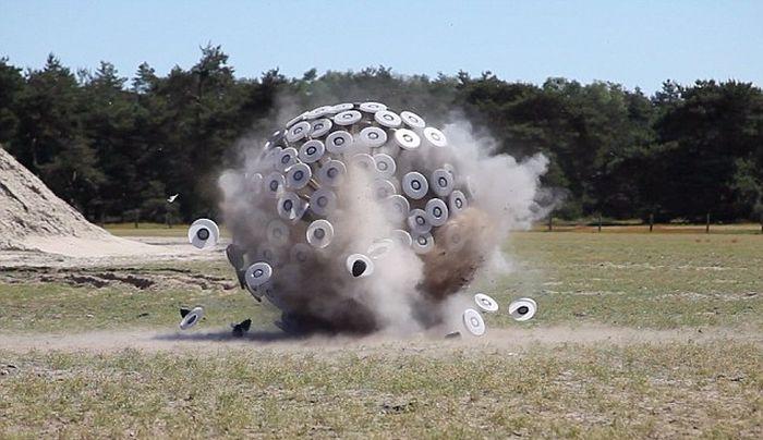 Anti-Landmine Device (8 pics)