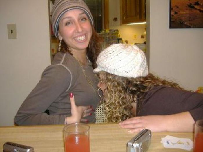 Drunk Girls Motorboating (57 pics)