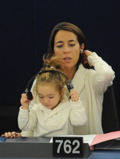2-Year-Old Victoria Cerioli Can Vote (6 pics)