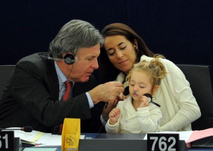 2-Year-Old Victoria Cerioli Can Vote (6 pics)