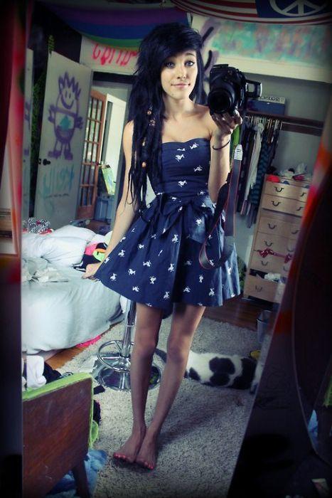 Hot Girl Mirror Self Shots (50 pics)