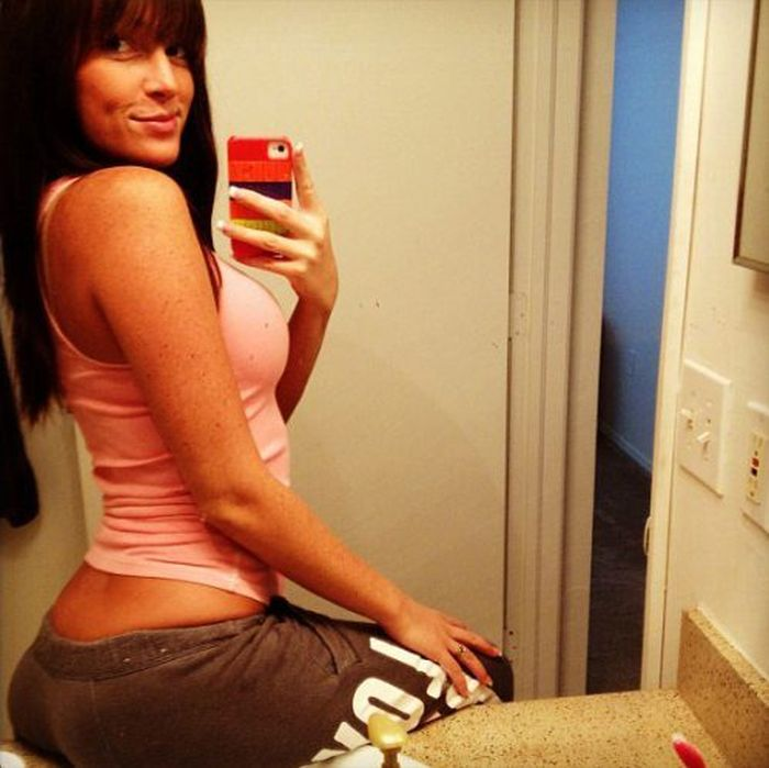 Hot Girl Mirror Self Shots (50 pics)