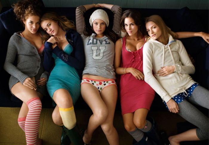 Nice Girls (63 pics)