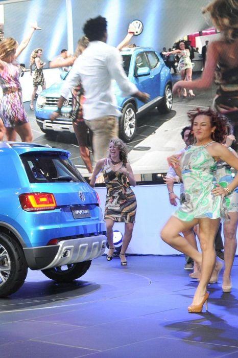 Pretty Motor Show Girls (45 pics)