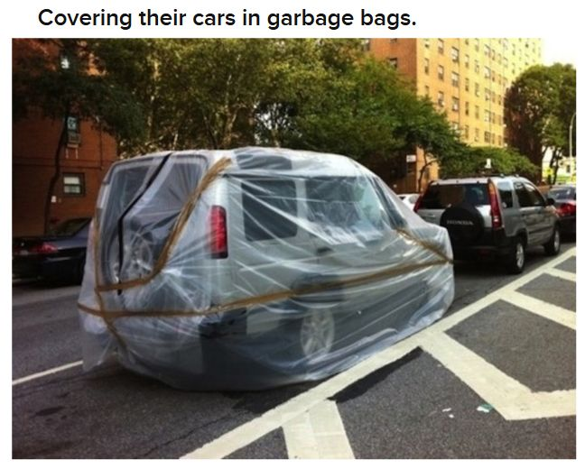New Yorkers Preparing for the Hurricane (14 pics)