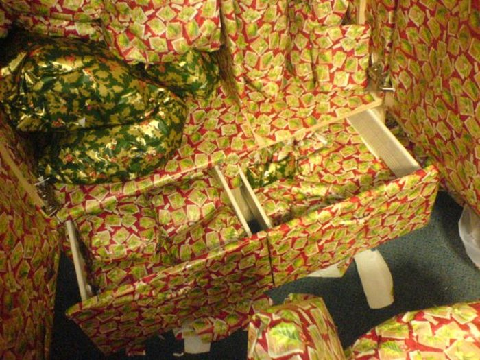 Wrapping Prank (13 pics)