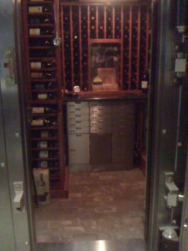 How to Store Expensive Wine (5 pics)