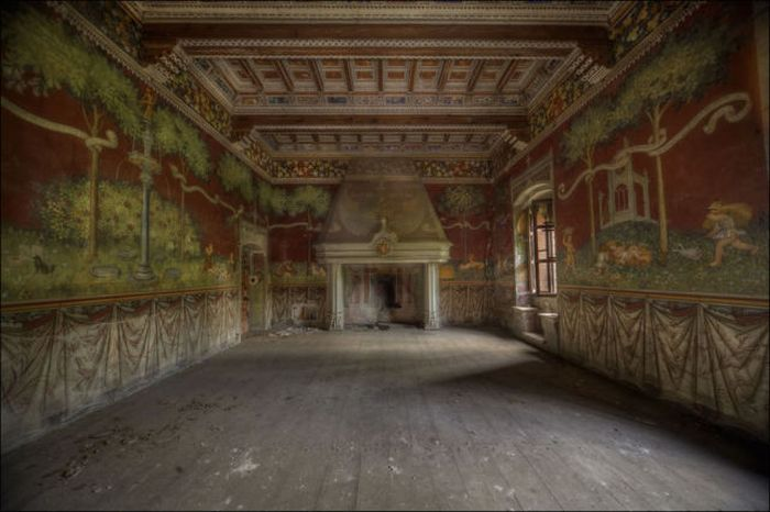 Spooky Abandoned Places (40 pics)