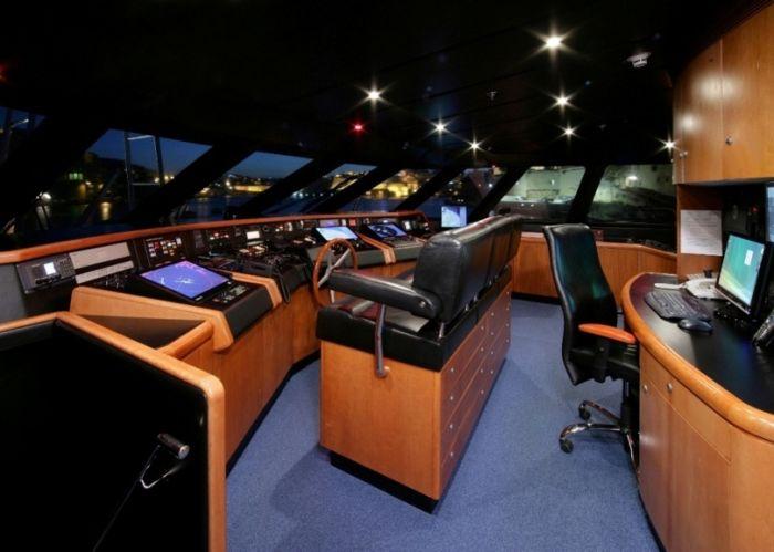 Luxury Ship Bridges (7 pics)