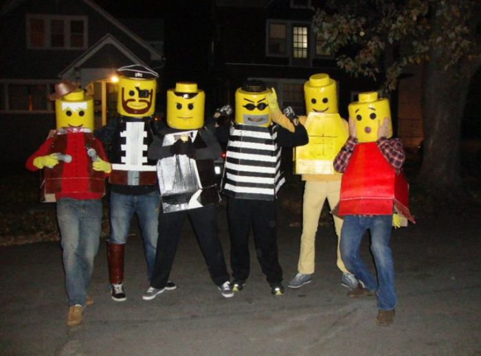 DIY Yourself Lego Halloween Costume (18 pics)