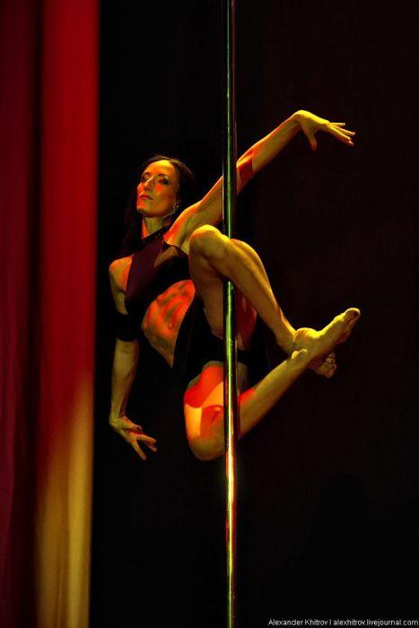 Pole Dancers (57 pics)