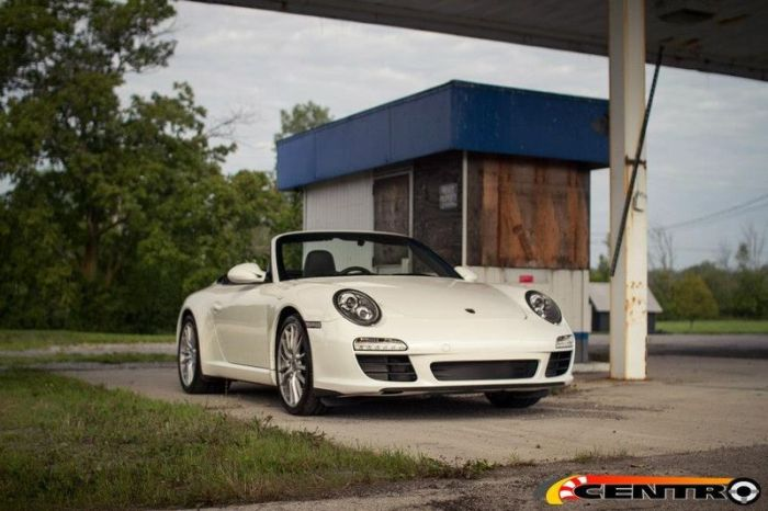 Centre Seat Porsche 911 Cabrio (20 pics)