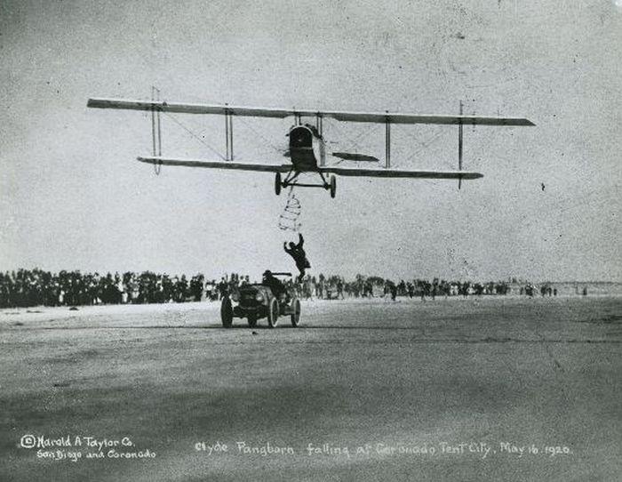 Aerial Stunts of 1920s Barnstormers (20 pics)