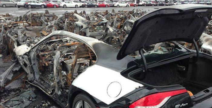 16 Fisker Karma Cars Burned at New Jersey Port (4 pics)