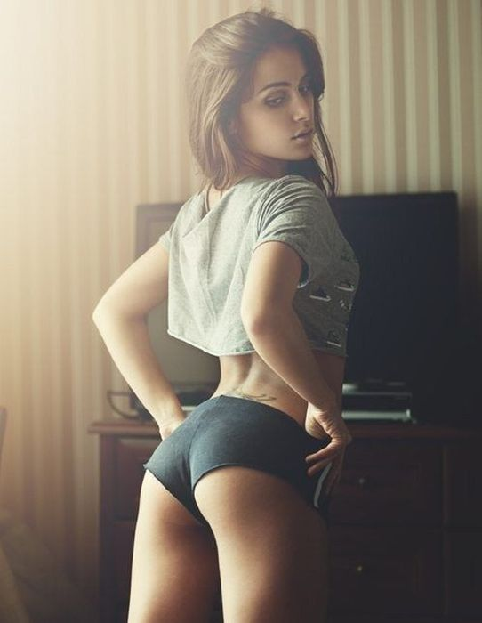 Beautiful Butts (52 pics)