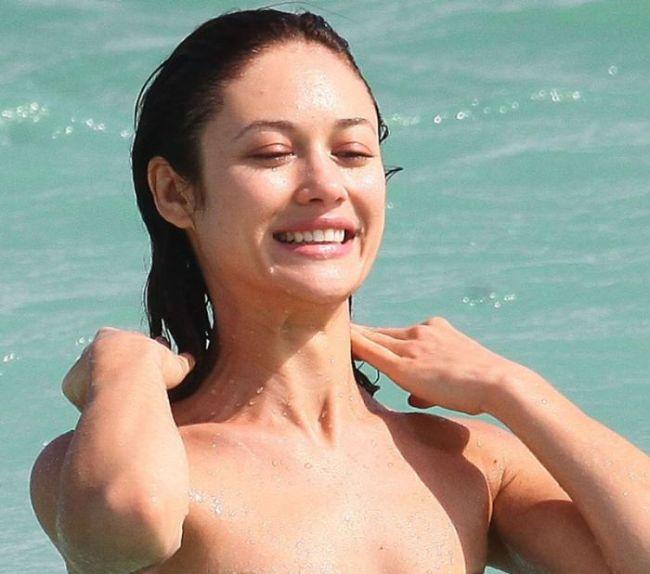 Olga Kurylenko Bikini Pictures (4 pics)