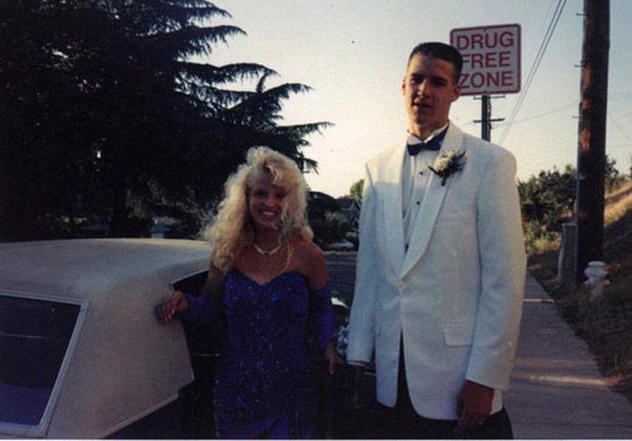 Awkward Prom Photos (35 pics)