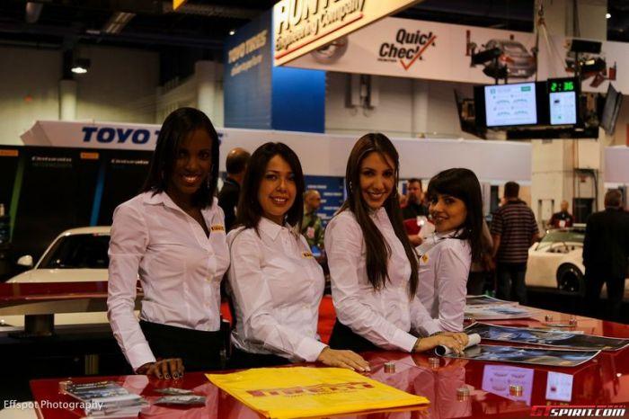Girls from SEMA (40 pics)