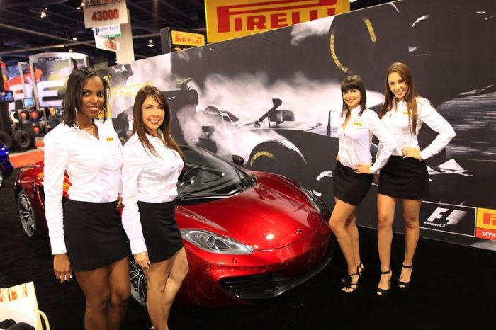 Girls from SEMA (40 pics)