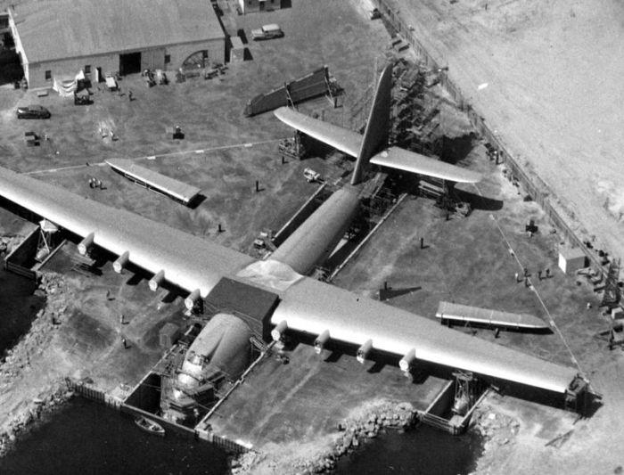 Hughes H-4 Hercules (33 pics)