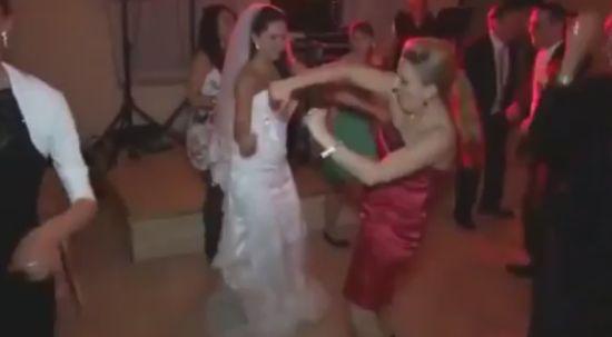 Hilarious Girl Dancing Style