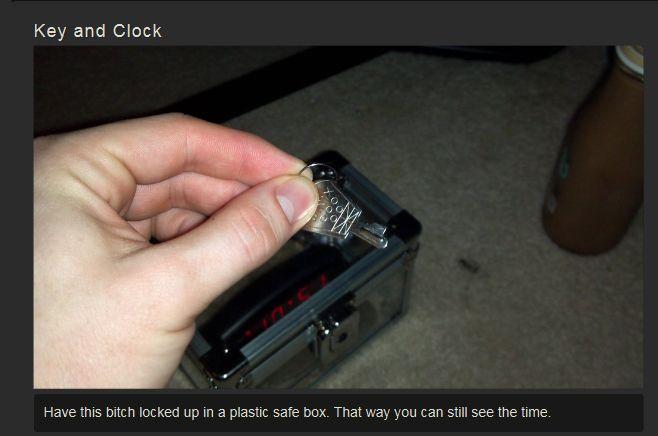Jigsaw Alarm Clock (7 pics)