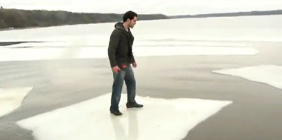 Stupid Ice Jumping Guy Fail