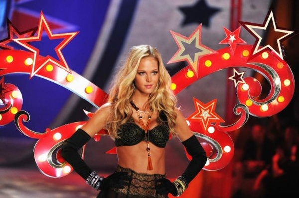 The 2012 Victoria's Secret Fashion Show's Hottest Photos (50 pics)