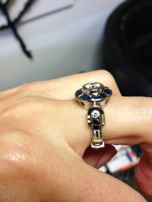 R2-D2 Engagement Ring (9 pics)