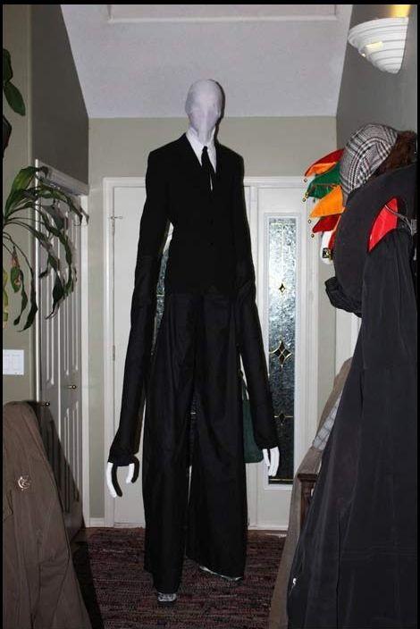 Cool Costume (5 pics)