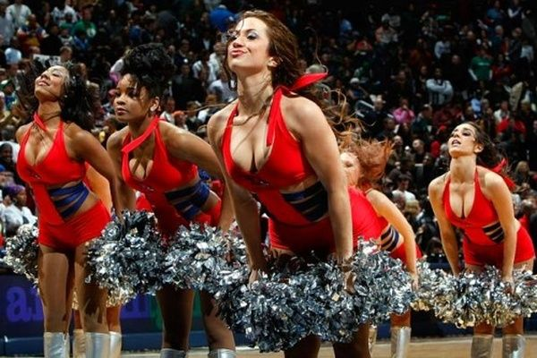 The Hottest Cheerleading Uniforms (100 pics)