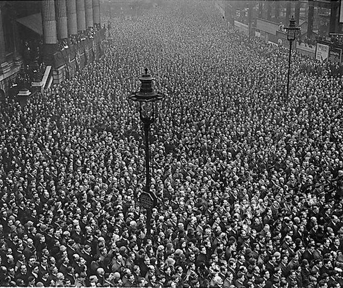 People Celebrating the End of World War I (31 pics)