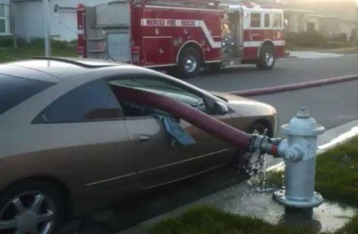 Never Park Your Car Near Fire Hydrant (5 pics)
