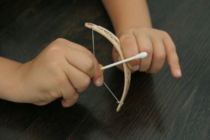 DIY Tiny Bow And Arrow (6 pics)
