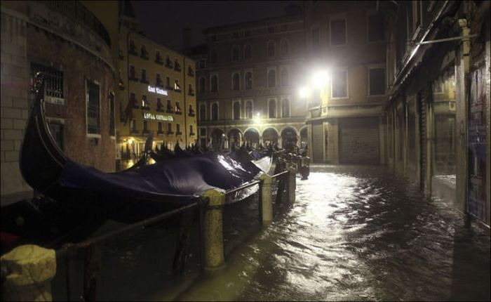 The Recent Flooding in Venice (29 pics)