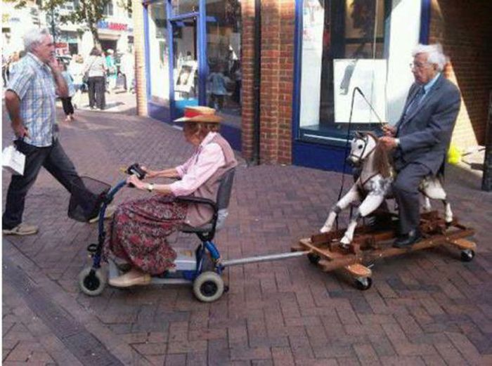 Old People Being Awesome (21 pics)