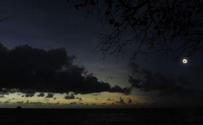 Total Solar Eclipse (17 pics)