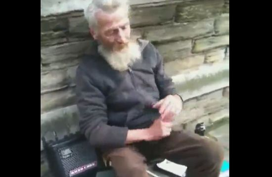 Awesome Homeless Musician Plays Faithless with Spoons