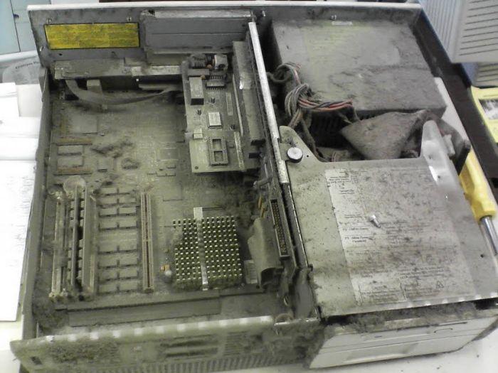 Broken Computers (46 pics)