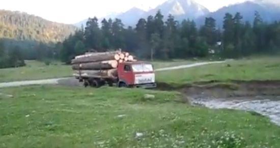 Incredible Russian Truck Crosses The River