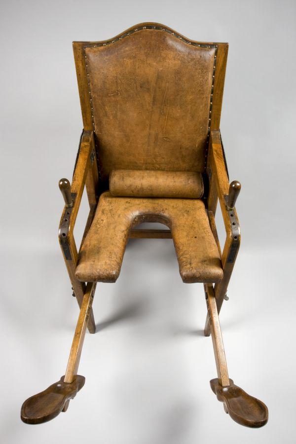 European Parturition Chairs, 1501-1800 (11 pics)