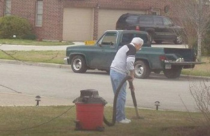 People Who Need Help (38 pics)